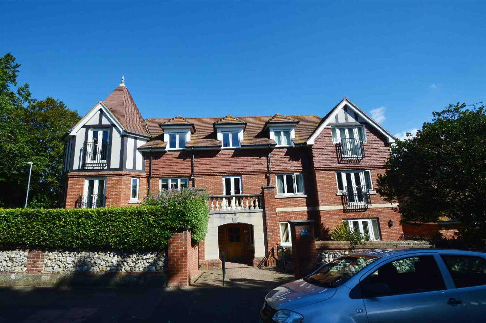 1 Bedroom Flat for sale in Carew Road, EASTBOURNE